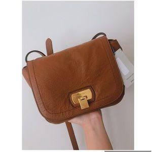 Cole Haan (Hinge Lock Leather Crossbody Bag)